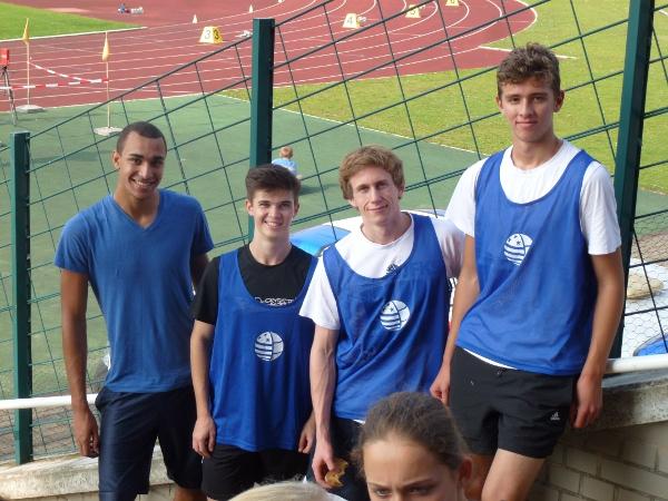 Jordan, Michael, Julian, Lucas 8.Pl 4x100m WKI