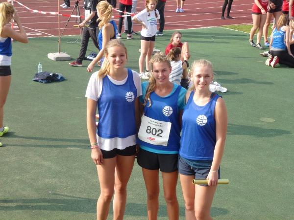 Lilly, Antonia, Catherine 4.Platz 3x800m WKII